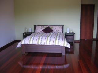SINGLETON LUXURY HOLIDAY HOME - Rockingham vacation rentals