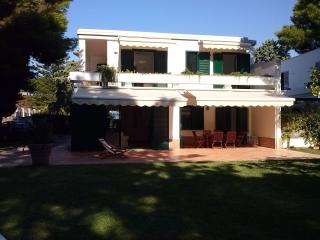 4 bedroom Villa with Internet Access in Paestum - Paestum vacation rentals