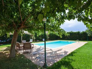 Nice 2 bedroom Anavyssos House with Internet Access - Anavyssos vacation rentals