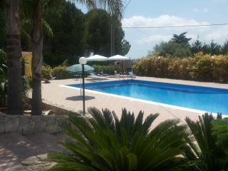 """""""VILLA FRANCA""""  Vicino Siracusa e piu' economico - Solarino vacation rentals"""