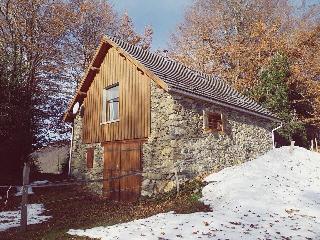 la grange de Guirel à 950m   sud face aux Pyrenées - Biert vacation rentals