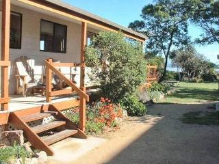 3 bedroom Cottage with Grill in Coles Bay - Coles Bay vacation rentals