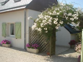 Cozy 3 bedroom Gite in Roscoff with Internet Access - Roscoff vacation rentals