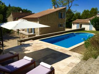 Spacious villa close to town, quiet and private. - Saint-Remy-de-Provence vacation rentals