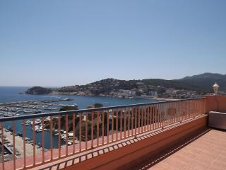 Nice 3 bedroom Penthouse in Sant Feliu de Guixols with Water Views - Sant Feliu de Guixols vacation rentals