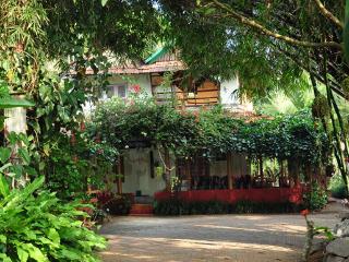 Bright 6 bedroom Villa in Mananthavady - Mananthavady vacation rentals