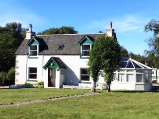 Luxury Self Catering Cottage Tomatin by Inverness - Tomatin vacation rentals