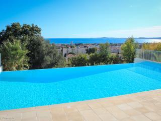Gorgeous apartment, French Riviera, Pool, Car park - Saint-Laurent du Var vacation rentals