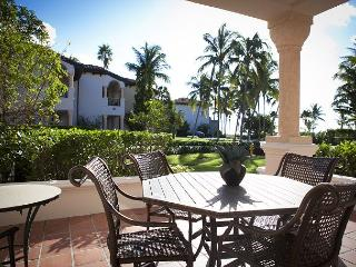 Amazing 1 bd Condo with Ocean View - Miami Beach vacation rentals