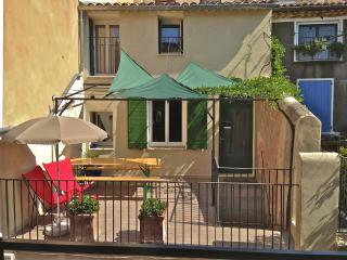Le Jas du Pontias - Original, elegant, comfortable - Nyons vacation rentals