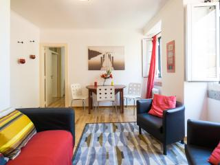 Lovely Apartment with Internet Access and Television - Lisbon vacation rentals