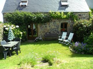 La Crèche near sandy beach, private garden, WIFI - Plougasnou vacation rentals