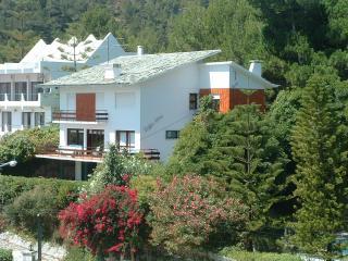 Villa 300 m beach with sea view - Sesimbra vacation rentals