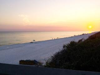Bungalow, Comfy Home away from home Bungalow - Santa Rosa Beach vacation rentals