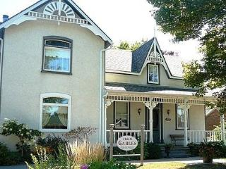 Nice Bed and Breakfast with Internet Access and Parking - Stayner vacation rentals