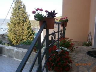 Romantic 1 bedroom Valun Apartment with Internet Access - Valun vacation rentals