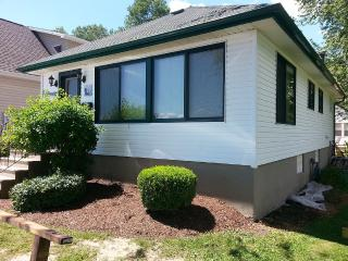 Waterfront House Overlooking The Niagara River - Fort Erie vacation rentals