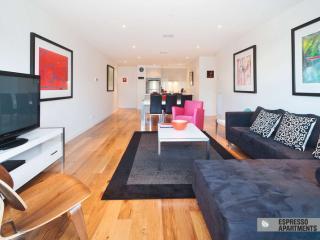502/77 Nott Street, Port Melbourne, Melbourne - Melbourne vacation rentals