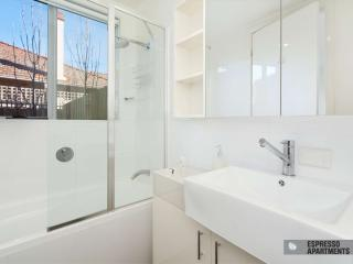 18/293-295 Hawthorn Road, Caulfield, Melbourne - Caulfield vacation rentals