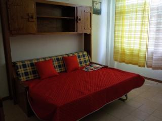 2 bedroom Townhouse with Internet Access in Estoril - Estoril vacation rentals