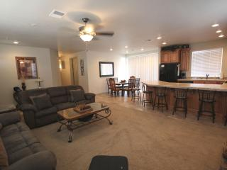 Nice 2 bedroom Saint George Apartment with Deck - Saint George vacation rentals
