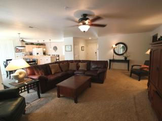 Magnificent Spacious Condo w/ Modern Furnishings - Saint George vacation rentals