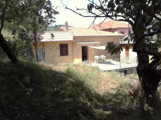 casa nel verde della Val di Vara - Zignago vacation rentals