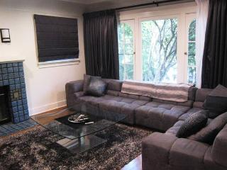 Gorgeous Hollywood home off Melrose shared house - West Hollywood vacation rentals