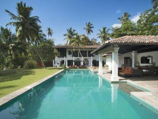 Comfortable 3 bedroom Koggala Villa with Deck - Koggala vacation rentals
