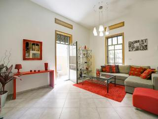 Unique & Cozy Apartment, Tel Aviv  Beach - Tel Aviv vacation rentals