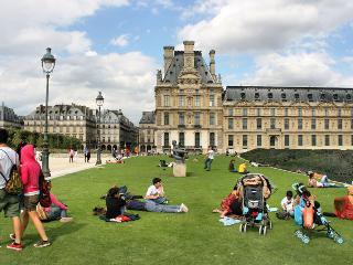 LUXURY 4BR EIFFEL VIEW  ~LOUVRE,MARAIS,NOTRE DAME - Paris vacation rentals