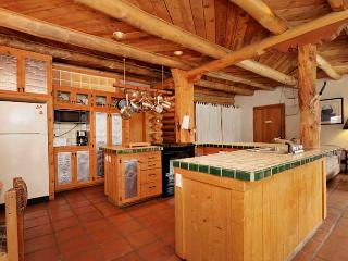 3 bedroom Cabin with Central Heating in Taos Ski Valley - Taos Ski Valley vacation rentals