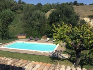 Cozy 2 bedroom Monte Rinaldo Villa with Internet Access - Monte Rinaldo vacation rentals