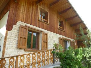 Nice Chalet with Internet Access and Dishwasher - Saint-Paul-sur-Ubaye vacation rentals