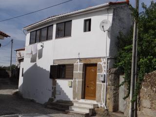 Maison typique Rebordelo Vinhais - Vinhais vacation rentals
