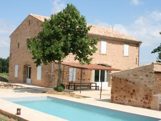 5 bedroom House with Internet Access in Bizanet - Bizanet vacation rentals
