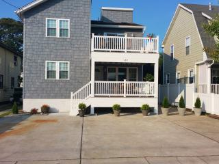 Beach House 6 bedrooms  sleeps 7-16  NEW! - Brigantine vacation rentals