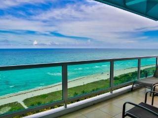 Oceanfront 4BR/4BA in Miami Mid Beach - Pool/Beach Access/Onsite Gym (2BR+2BR) - Miami Beach vacation rentals