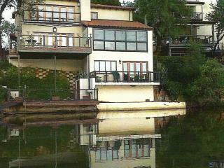 Lovely 3 bedroom House in Broederstroom - Broederstroom vacation rentals
