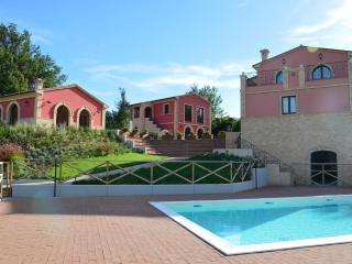 Agriturismo Villa Ninetta _ Il Glicine - Caldarola vacation rentals