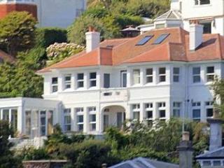 2 Bed Apartment - Sea Views, Few Steps, - Fowey vacation rentals