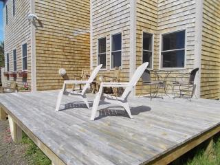 Cozy House with Deck and Microwave - Freeport vacation rentals