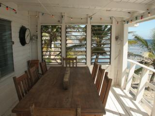 Beautiful Ocean Front home in Roatan - French Harbour vacation rentals