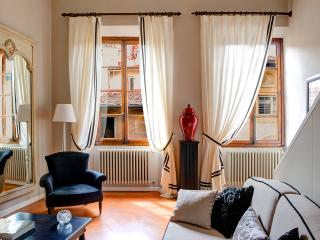 Velluti Maggio Suite - Florence vacation rentals