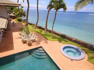 Lahaina on the beach that sleep up to 18 guests! - Lahaina vacation rentals