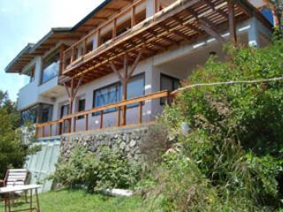 Casa Ruca Huasi con costa de Lago - San Carlos de Bariloche vacation rentals