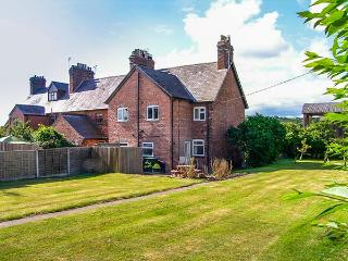 1 ORGANSDALE COTTAGES, woodburner, WiFi, near Delamere Forest and Sandstone Trail, near Kelsall, Ref 923789 - Kelsall vacation rentals