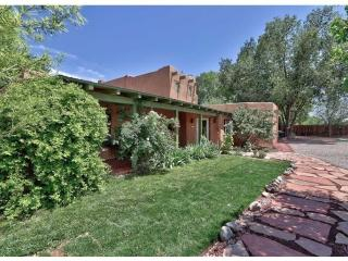 Charming Adobe in Corrales NM - Corrales vacation rentals