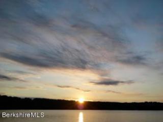 Lake House - Lee vacation rentals