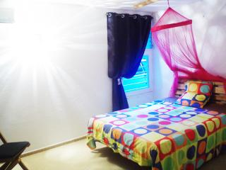 Jolie chambre dans petit coin calme - Petit-Bourg vacation rentals